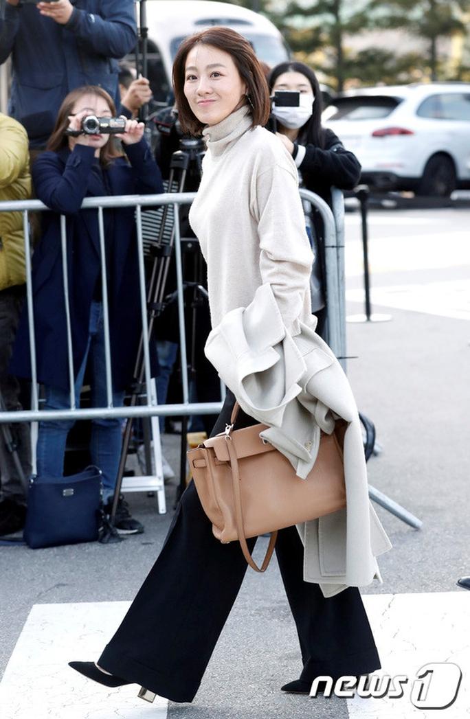 Mỹ nhân Song Hye Kyo theo Song Joong Ki về dinh - Ảnh 14.