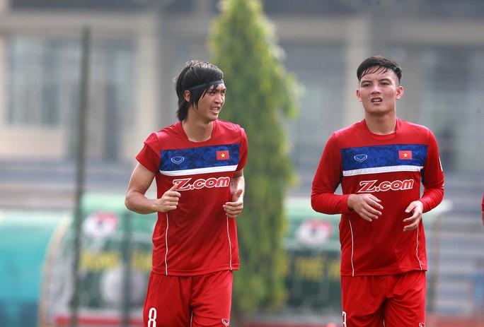 Tuấn Anh thực hiện đầy đủ các bài thể lực do ban huấn luyện U23 Việt Nam đề ra