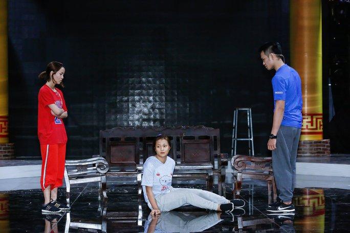 Việt Hương cắt đứt tình chị em với Đại Nghĩa tại Làng Hài Mở Hội - Ảnh 1.