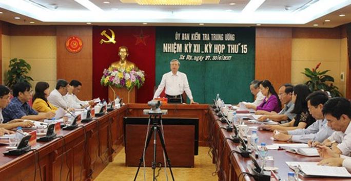 Thứ trưởng Hồ Thị Kim Thoa vi phạm nghiêm trọng về mua cổ phần - Ảnh 1.