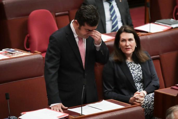 Nghị sĩ Úc mất chức vì ủng hộ Trung Quốc về biển Đông - Ảnh 1.