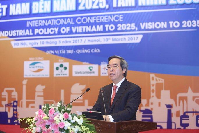 Trưởng Ban Kinh tế Trung ương Nguyễn Văn Bình phát biểu tại hội thảo - Ảnh: Thế Dũng
