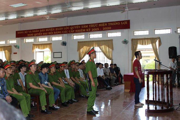 Phạt tù 49 học viên làm loạn trung tâm cai nghiện - Ảnh 1.