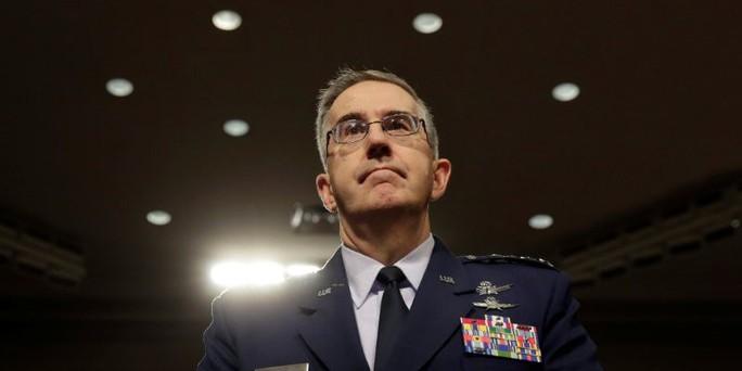 Tướng Mỹ nói về việc ngăn lệnh tấn công hạt nhân của ông Donald Trump - Ảnh 1.