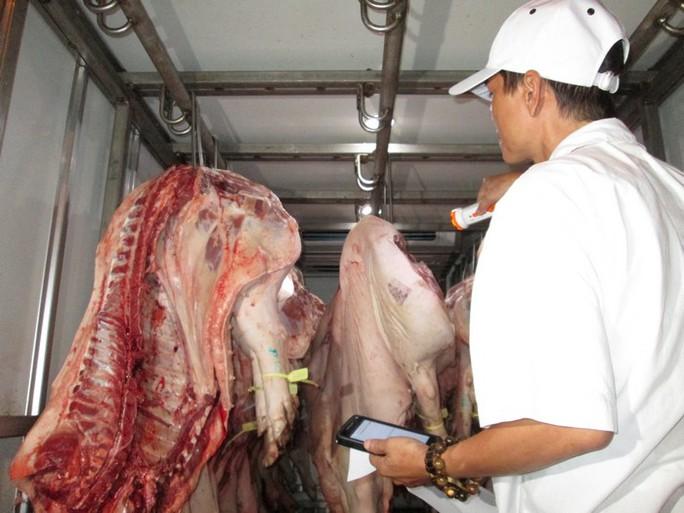 Siết thịt heo sạch: Thương lái gây áp lực với chợ đầu mối - Ảnh 4.
