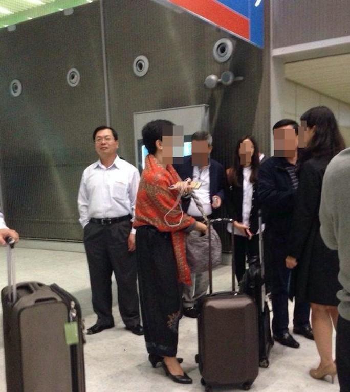 Xử lý cán bộ ký giấy đề nghị cho ông Vũ Huy Hoàng vào khu cách ly sân bay - Ảnh 1.