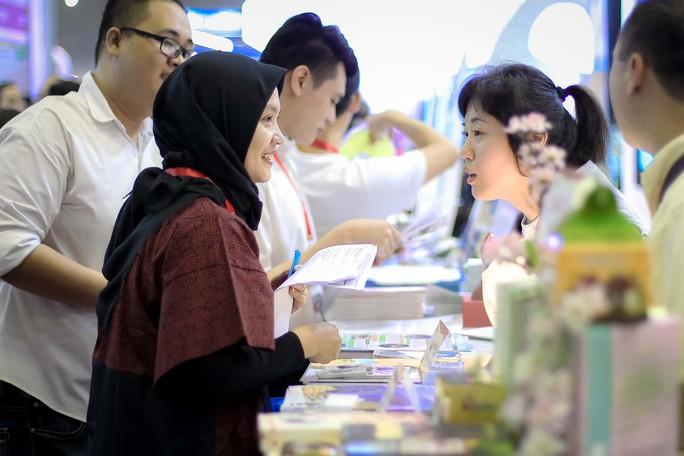 Nhộn nhịp hội chợ Du lịch Quốc tế TP HCM - Ảnh 2.