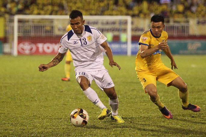 Công Vinh ra sân bán vé, CLB TP HCM cầm hòa FLC Thanh Hoá - Ảnh 6.