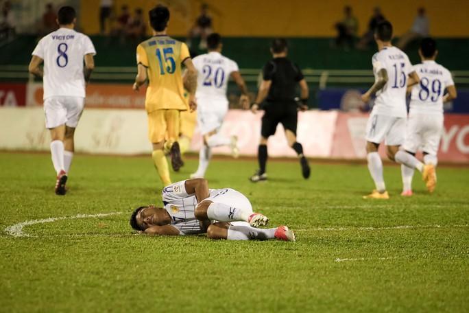 Công Vinh ra sân bán vé, CLB TP HCM cầm hòa FLC Thanh Hoá - Ảnh 7.