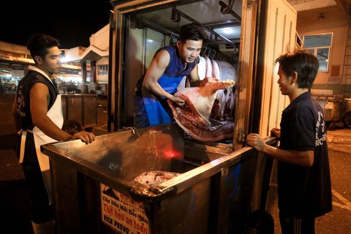 Kiểm tra giữa đêm, 100% thịt heo vẫn chưa thể truy xuất nguồn gốc - Ảnh 5.