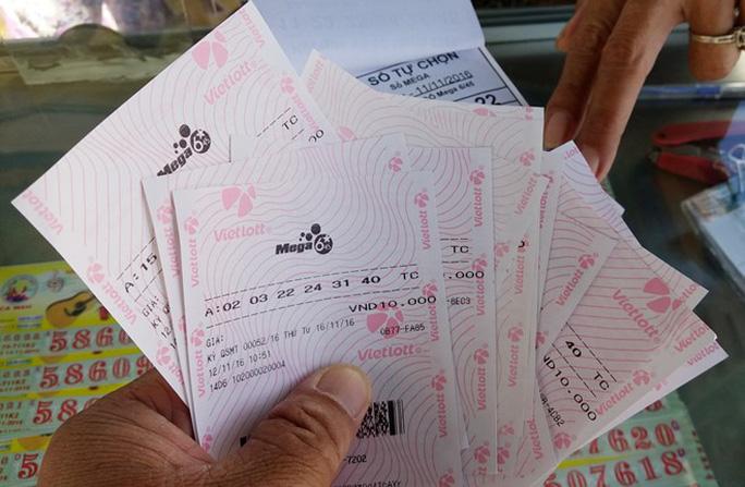 """Phạt 10 triệu đồng và tịch thu hơn 700 tờ vé số Vietlott """"chui"""""""