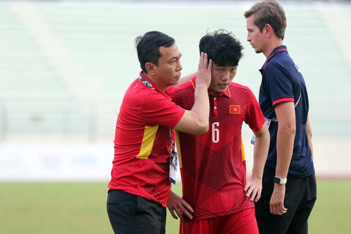Chùm ảnh: Nước mắt Việt Nam tại Selayang sau trận thua của U22! - Ảnh 17.