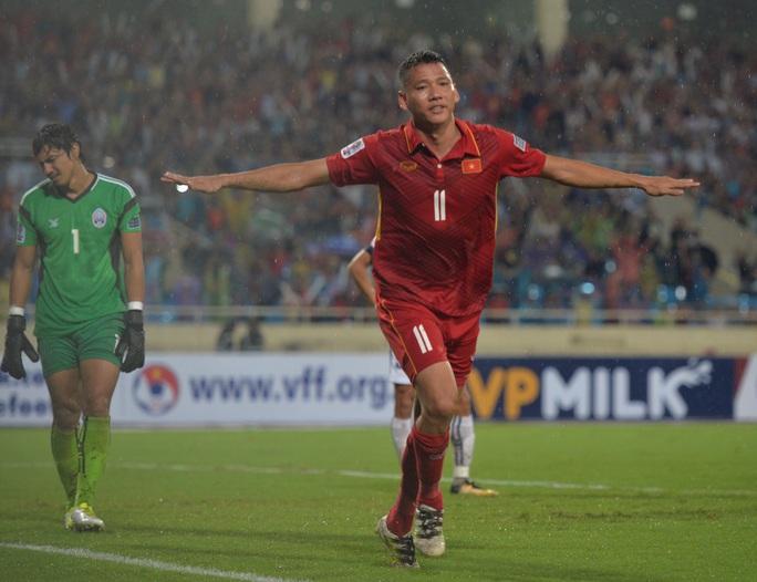 Thắng 5 sao Campuchia, Việt Nam đặt 1 chân vào VCK Asian Cup - Ảnh 17.