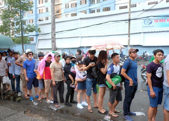 Nhiều vé giả trước trận U23 Việt Nam - U23 Hàn Quốc - Ảnh 1.
