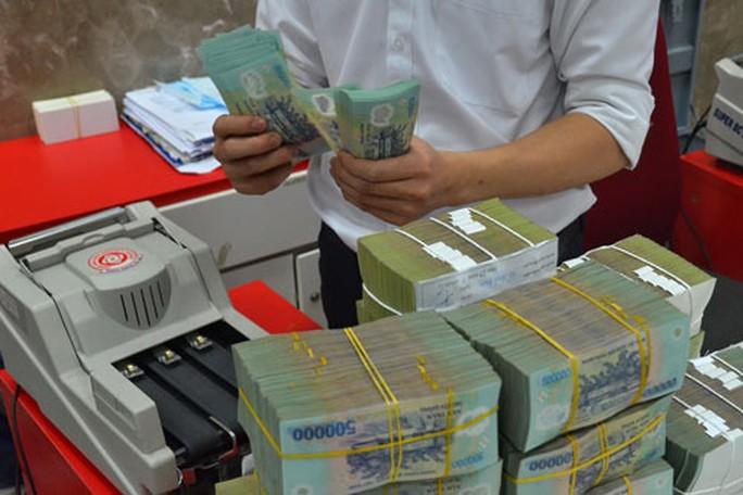 Vụ Phó giám đốc Eximbank cuỗm 301 tỉ bỏ trốn: Người gửi tiền quá chủ quan? - Ảnh 1.
