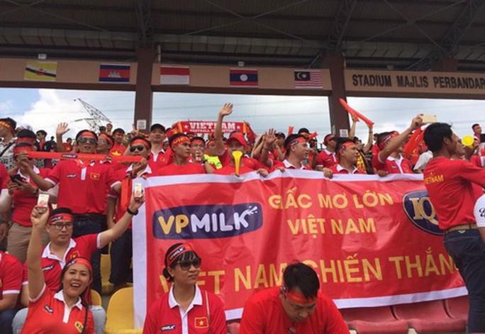 U22 Việt Nam - Thái Lan 0-3: Dừng chân SEA Games, HLV Hữu Thắng từ chức - Ảnh 8.