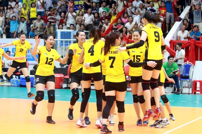 VTV Bình Điền Long An vui mừng sau khi lọt vào trận chung kết