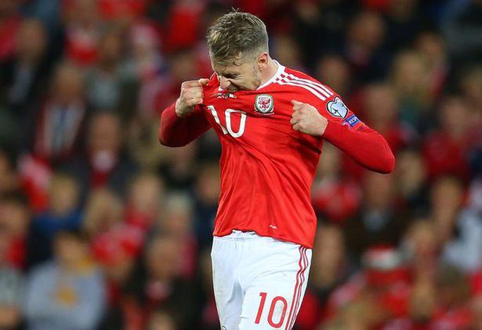 Bale và đồng đội chết lặng khi mất vé dự World Cup - Ảnh 3.