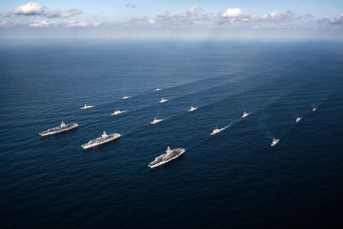 Cận cảnh cuộc tập trận hiếm của 3 tàu sân bay Mỹ