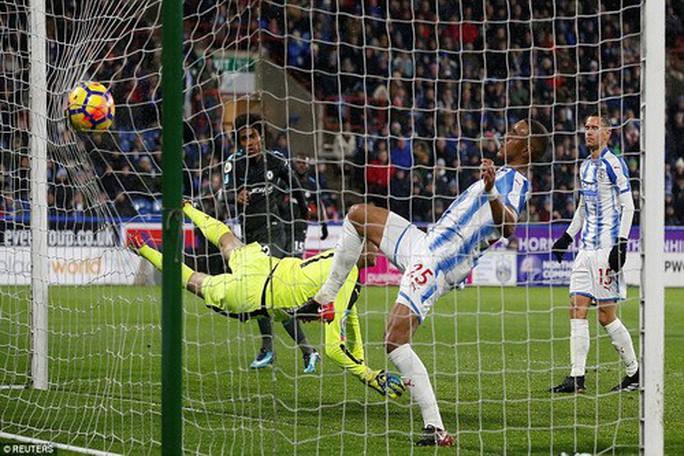 Chen chân Top 4, Burnley gây sốc sân cỏ Ngoại hạng Anh - Ảnh 8.