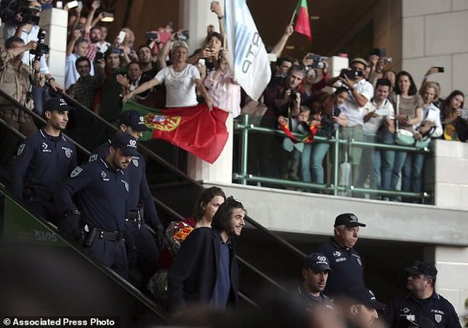 Bồ Đào Nha thắng Eurovison 2017 sau 53 năm - Ảnh 6.