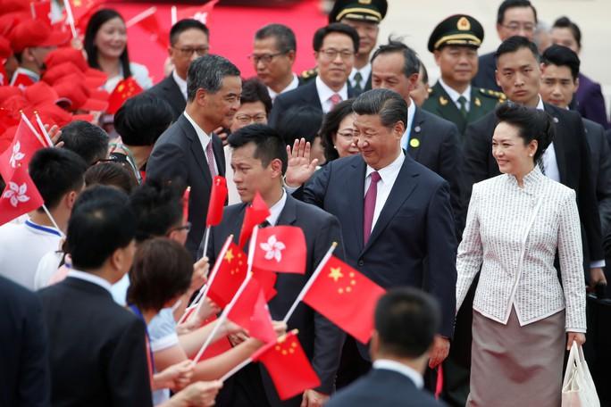 Chủ tịch Trung Quốc đến Hồng Kông - Ảnh 1.