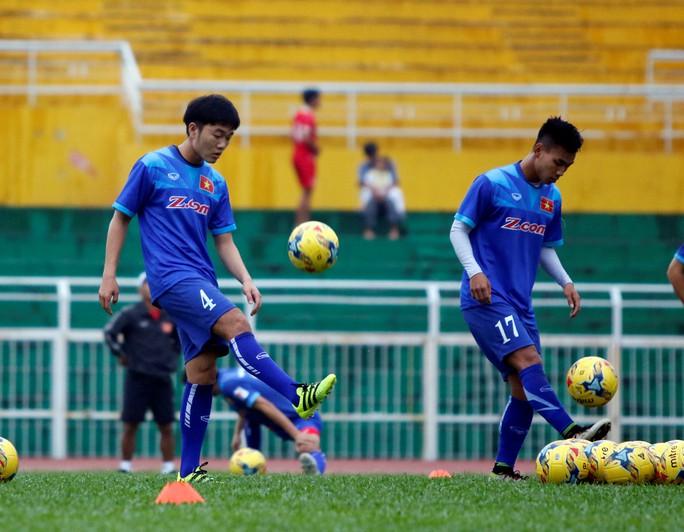 Ai là tuyển thủ mặc nhiều số áo nhất bóng đá Việt? - Ảnh 4.