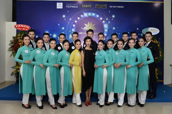 Tiếp viên Vietnam Airlines catwalk cực chuẩn trong cuộc thi tài sắc - Ảnh 6.