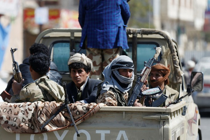 Bỏ Houthi theo Ả Rập Saudi, cựu tổng thống Yemen bị giết - Ảnh 3.