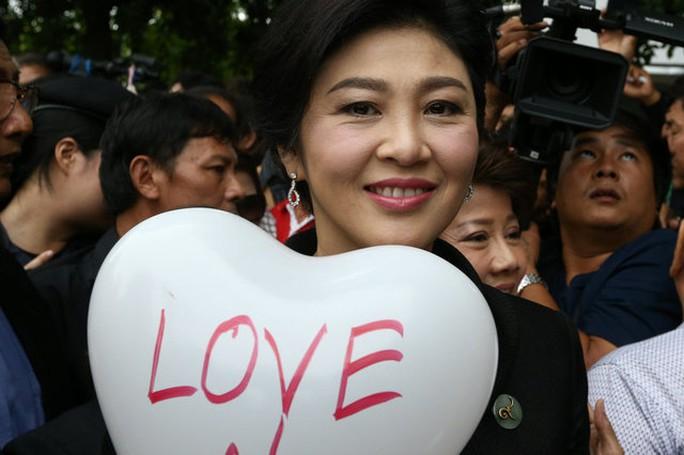 Bà Yingluck bước vào cuộc chiến cuối cùng - Ảnh 8.