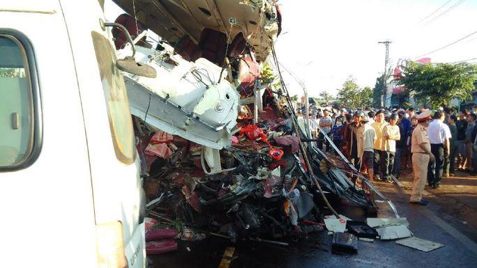 Vụ tai nạn kinh hoàng ở Gia Lai: Xe tải chạy 105 km/giờ - Ảnh 1.