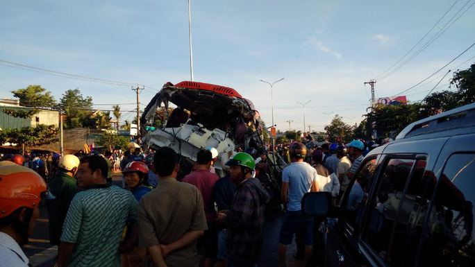 Tai nạn kinh hoàng ở Gia Lai, ít nhất 10 người chết - Ảnh 6.