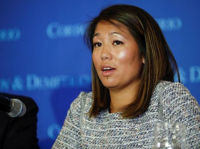 Crystal Dao tại buổi họp báo hôm 13-4. Ảnh: Reuters