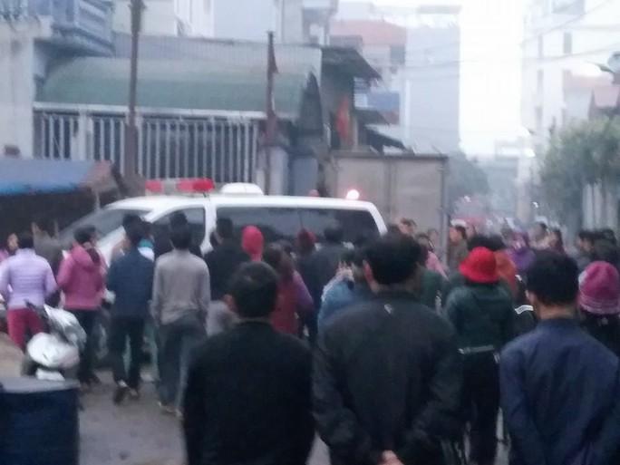 Bắc Ninh: Nổ lớn vùi lấp 5 ngôi nhà, 9 người thương vong - Ảnh 1.