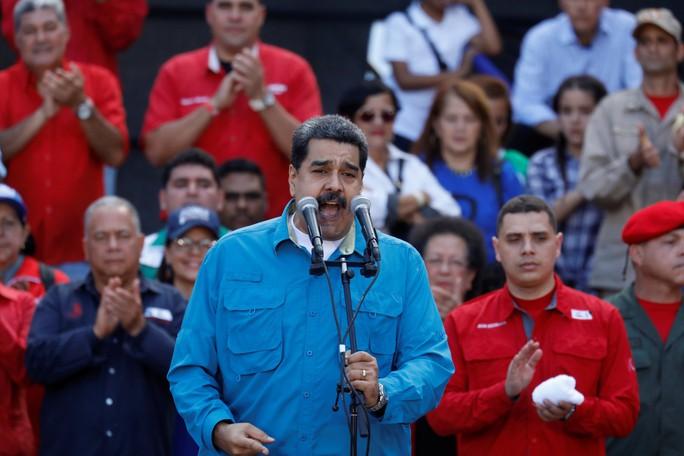 Ông Maduro tái tranh cử tổng thống Venezuela - Ảnh 1.