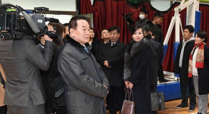 Người yêu cũ của ông Kim Jong-un quyền lực tới đâu? - Ảnh 3.