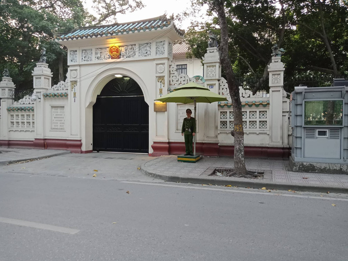 Đại sứ quán Trung Quốc mở cửa cấp visa riêng cho cổ động viên U23 Việt Nam - Ảnh 1.