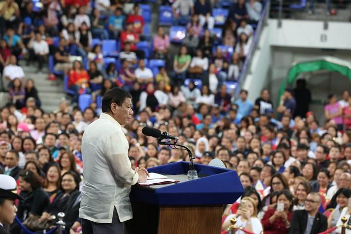 Tổng thống Philippines cảnh báo các nước Trung Đông - Ảnh 1.