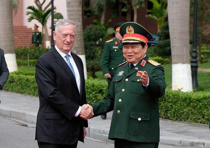 Mỹ ủng hộ Việt Nam tôn trọng tự do hàng hải, hàng không - Ảnh 1.