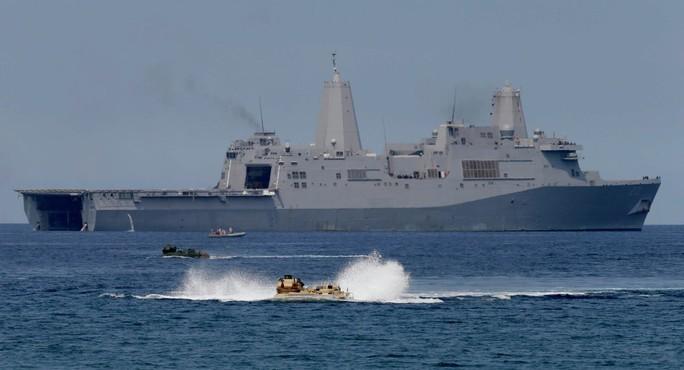 Hải quân Mỹ thách thức yêu sách của Trung Quốc ở biển Đông - Ảnh 1.