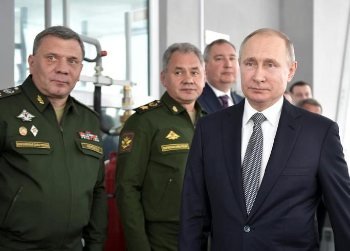 Ông Putin lên tiếng về máy bay ném bom mới nhất của Nga - Ảnh 1.