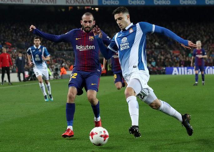 Coutinho chào sân Nou Camp, Barcelona giành vé bán kết Cúp Nhà vua - Ảnh 1.