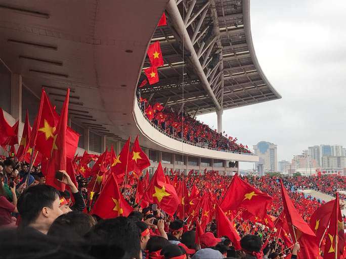 Phó Thủ tướng reo mừng giây phút Quang Hải ghi tuyệt phẩm - Ảnh 20.