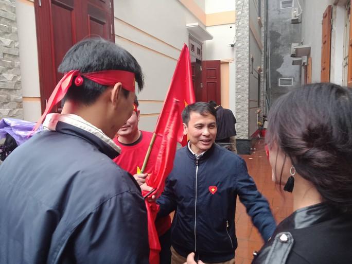 Nhà Quang Hải nổ tung với siêu phẩm tung lưới U23 Uzbekistan - Ảnh 17.