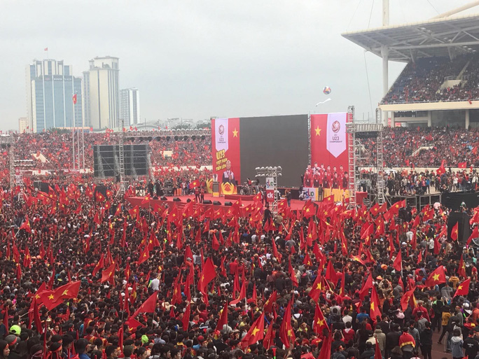 Phó Thủ tướng reo mừng giây phút Quang Hải ghi tuyệt phẩm - Ảnh 19.