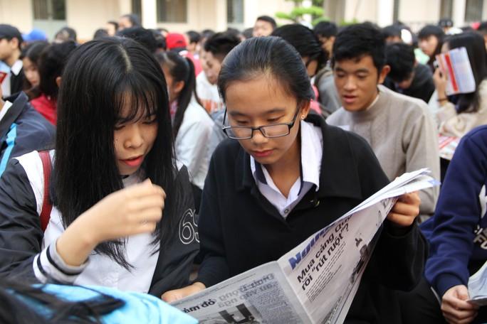 Đưa trường học đến thí sinh 2018 tại Đắk Lắk: Mê sư phạm nhưng sợ thất nghiệp - Ảnh 9.