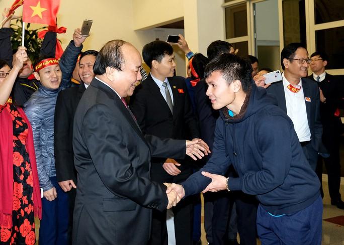 Thủ tướng: Chưa bao giờ có niềm vui lớn như đón đội tuyển U23! - Ảnh 11.