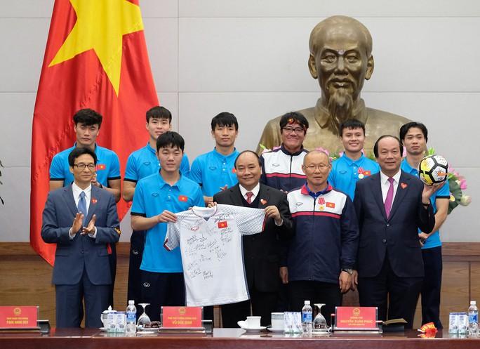 Thủ tướng: Chưa bao giờ có niềm vui lớn như đón đội tuyển U23! - Ảnh 10.