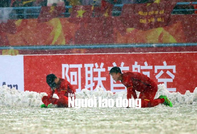 AFC quá cẩu thả ở trận U23 VN - U23 Uzbekistan! - Ảnh 1.