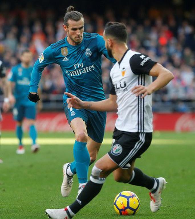 BBC tái xuất, Real Madrid đại thắng ở Mestalla - Ảnh 3.